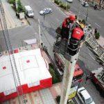 آمادگی آتشنشانان آملی برای مقابله با حریق ساختمانهای بلندبا اجرای مانور  امداد و نجات در آمل