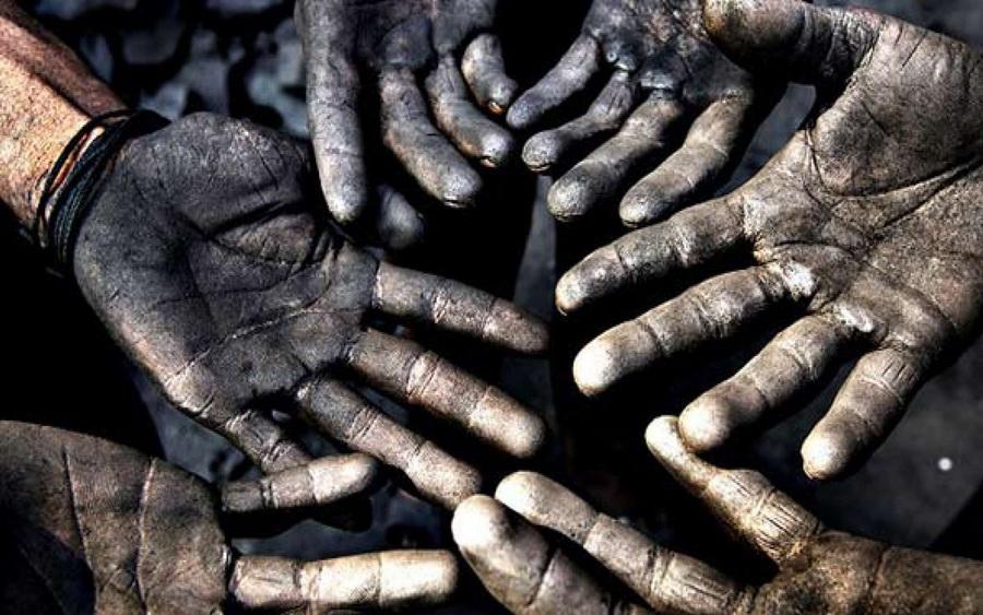یازدهم اردیبهشت روز جهانی کارگر بیایید نگاه دلسوزانه تان به کارگر را نگاه متعهدانه کنید